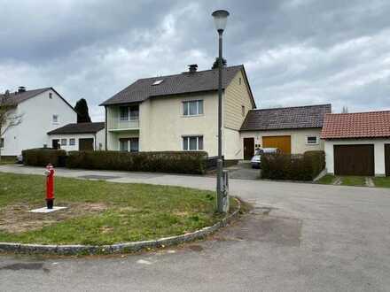 Sanierungsbedürftiges Zweifamilienhaus mit gr. Grundstück in ruhiger Lage zu verkaufen
