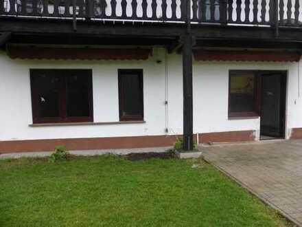 Helle, gepflegte Drei-Zimmer Wohnung Erdgeschoß mit Terrasse und PKW-Stellplatz in Daun-Pützborn