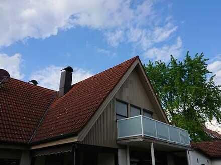 Schöne 3-Zimmer-DG-Wohnung mit Balkon in Augsburg Hochzoll