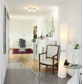 Gehobene 3-Raum-Wohnung mit Balkon und Einbauküche Nähe Naturschutzgebiet