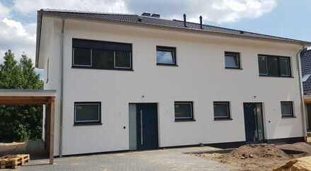 Letzte freie Neubau - Doppelhaushälfte mit Kamin in Groß Hehlen Erstbezug 1.August mit Zaun u. Rasen
