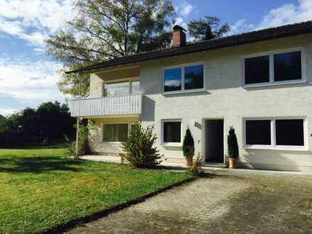 Idyllisches Einfamilienhaus mit Einliegerwohnung und großem Garten in Breitbrunn