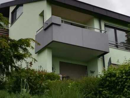 Exklusive, vollständig renovierte 3,5-Zimmer-Wohnung mit Balkon und EBK in Plochingen