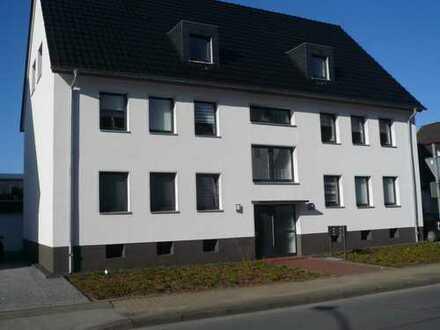 Achtung! Schicke, komplett renovierte und modernisierte Dachgeschoß-Wohnung