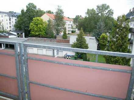 4 Raumwohnung; Balkon; 2 Bäder; Uninähe!!!