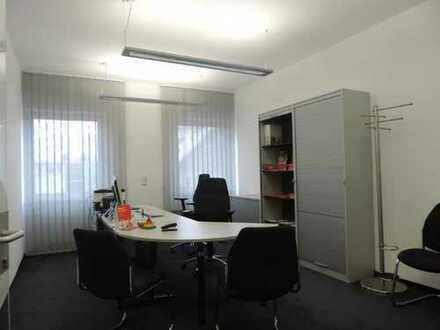 Bad Vilbel - Großzügige 3 Zimmer Bürofläche mitten auf der Einkaufstraße