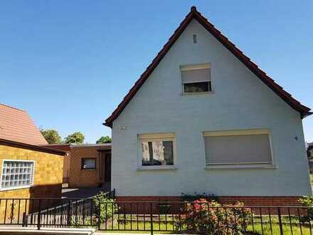 Doppelhaushälfte als Sondereigentum in kleiner WEG Einheit mit schönem Gartengrundstück