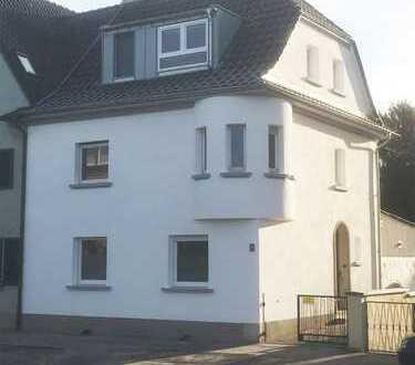 KERNSANIERTE Stadthaus Villa für die ganze Familie im Kölner Norden. Mit besonders großem Garten!