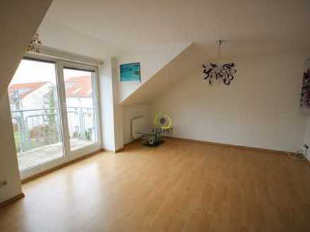 Sofort bezugsfreie 3-Zimmerwohnung in ruhiger Lage mit Balkon und Außenstellplatz