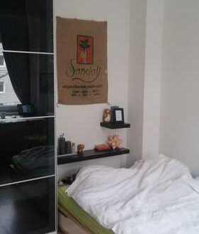 WG Zimmer in schöner Altbauwohnung in Lindenthal