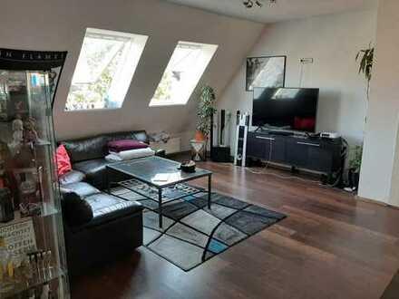Nachmieter für schöne 3 Zimmer Dachgeschosswohung gesucht (Bremer Str.)
