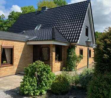 Freundliches und gepflegtes 7-Zimmer-Einfamilienhaus in Pinneberg-Waldenau, Pinneberg (Kreis)