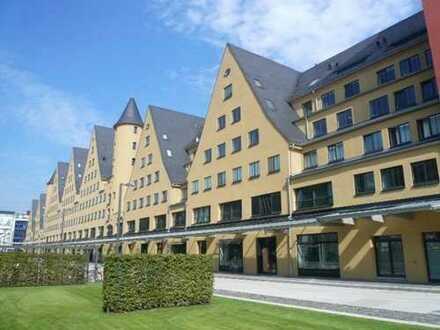 Rheinauhafen, bezugsfreie hochwertige 2-Zimmer-Wohnung Rheinseite, Rheinloggia und Stellplatz