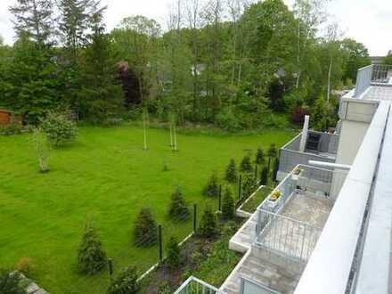 Bensberg, familienfreundlicher Neubau, ganz oben im Staffelgeschoss, 2 Bäder,TG-Stellplätze optional