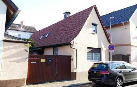 2 Zimmer, Wohnküche, Bad, Garage & Hof im gepflegtem Zustand als Alternative zur ETW.