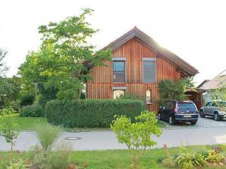 Wohngesundes Holz-Passiv-Haus zum Wohlfühlen mit schönem Garten