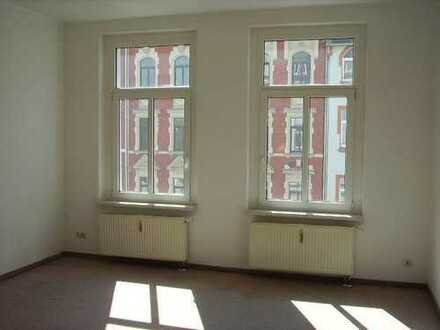 Große 2 Zi.-Wohnung mit Balkon!