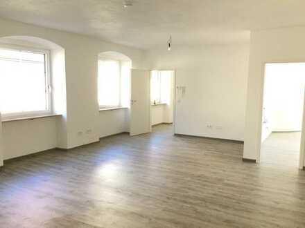 Neu renovierte Wohnung in der Altstadt beim Rathausplatz von privat zu vermieten