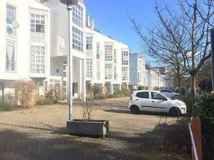 guenstiges Einzelwohnung in ruhiger Wohnlage nahe Europaplatz, moebiliert.(kein WG)