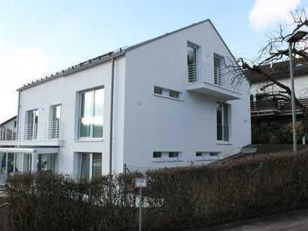 exklusive 3-Zimmer-Dachgeschosswohnung mit Balkon in Aichtal