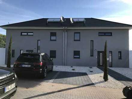 945 €, 126 m², 4 Zimmer