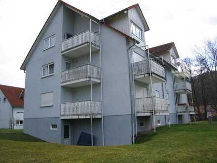 großzügige 4 ZKB mit Balkon in  ruhiger Lage