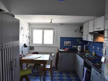 13qm Zimmer in netter 4er WG mit schöner Altstadt-Lage zu vergeben :)