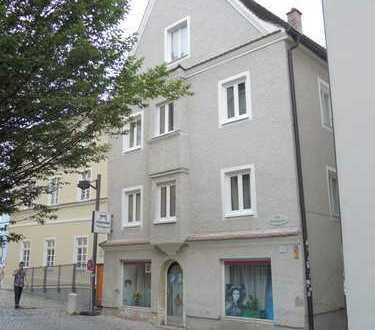 Zentral gelegenes, denkmalgeschütztes Haus (behindertengerecht) - für soziale Einrichtungen geeignet