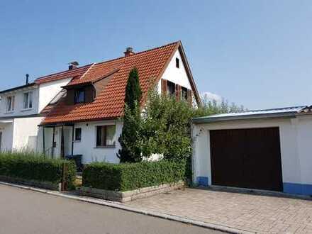 - RESERVIERT - Doppelhaushälfte mit großem Garten direkt am Schönbuch