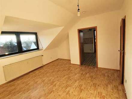 Attraktive 2-Zimmer-Dachgeschosswohnung mit Balkon in Aichach