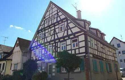 Gemütliche 2-Zimmerwohnung mit Balkon im Ortskern von Wiernsheim