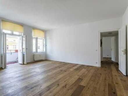 Renovierter 4-Zimmer-Altbau in Kiezlage mit zwei Balkonen