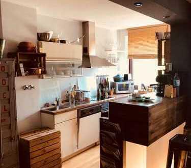 Ansprechende 2-Zimmer-Wohnung mit EBK und Balkon in Lindenthal, Köln