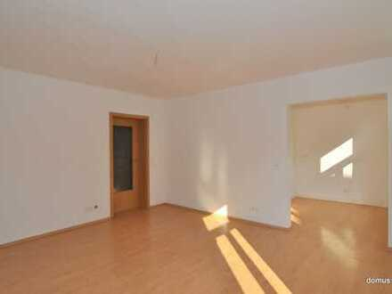*SCHICKE GEMÜTLICHE* 4-Raumwohnung im 1. Obergeschoss mit Balkon