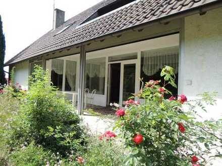 Ruhig gelegenes Einfamilienwohnhaus in Bühl/Ortsteil mit großem Grundstück und Forellenteichen