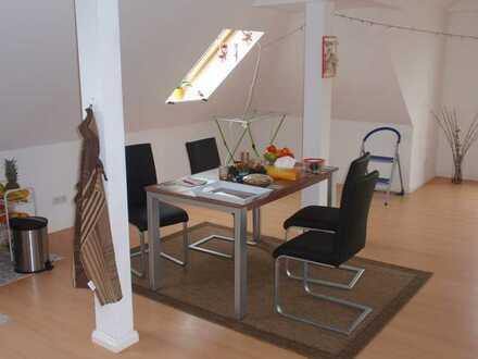 Bild_Geräumige, gepflegte 2-Zimmer-DG-Wohnung in Oranienburg
