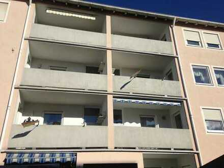 modernisierte, freundliche 3-Zimmer-EG mit Balkon & kleinem Garten in Gersthofen