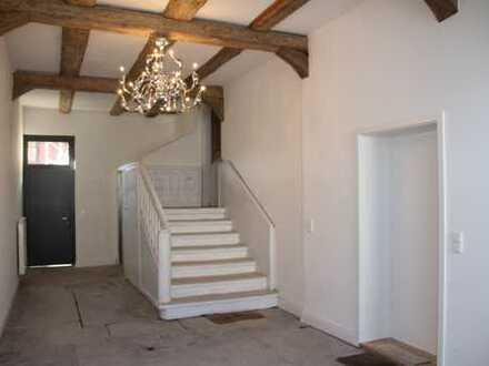 Charmante Wohnung mit dreieinhalb Zimmern und Einbauküche in Wolfsburg