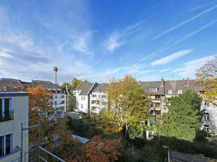 *NEU* Modernisierte 4 Raum Galeriewohnung mit Terrasse in Traumlage von Unterbilk!