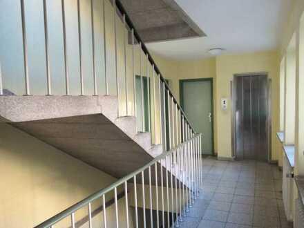 Stilvolle, geräumige 1-Zimmer-Hochparterre-Wohnung mit EBK in Haidhausen, München