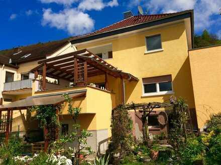 Renoviertes 5-Zimmer-Einfamilienhaus mit EBK in Klingenberg am Main, Miltenberg (Kreis)