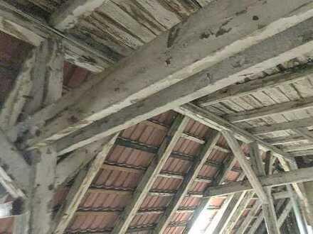Dachgeschoss-Rohling in begehrter Lage zwischen Körnerpark & Rixdorfer Kiez mit Baugenehmigung