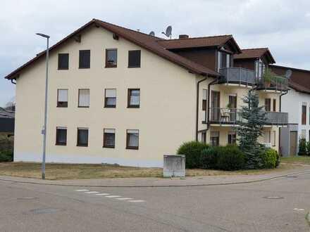 2,5-Zimmer-Wohnung mit Balkon und EBK in bevorzugter Wohnlage in Kieselbronn