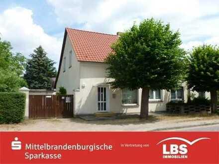 Zweifamilienhaus mit Gewerbeeinheit in Lehnin
