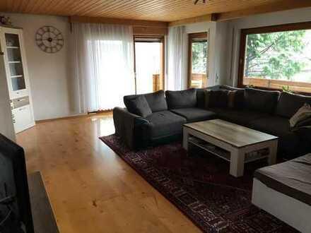 Gepflegte, sonnige 5-Zimmerwohnung mit Balkon und Südterrasse in Salach-Nord
