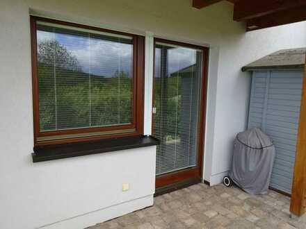 Gepflegte 2,0-Raum-Wohnung mit Terasse und Einbauküche in Breisgau-Hochschwarzwald (Kreis)