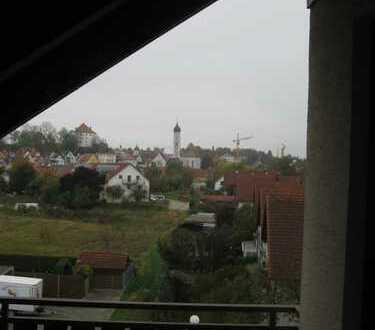Ruhige Dachwohnung mit Blick über Burgau