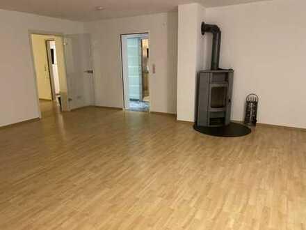 Gepflegte 3-Zimmer-EG-Wohnung mit Einbauküche in Kaiserslautern