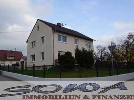 Komplettes Zweifamilienhaus mit 2 getrennten Wohnungen, Garten und Garage zu vermieten - Ein neue...