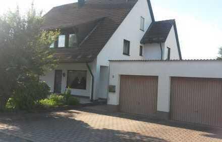 Gepflegte 4-Zimmer-Dachgeschosswohnung mit Balkon und Einbauküche in Pommelsbrunn